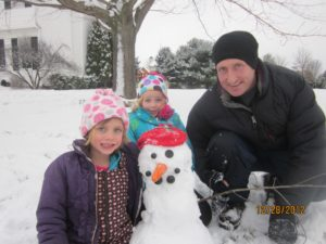 "Fun ""virtual"" snowbuilding worksheets for little ones... visit https://www.sightandsoundreading.com"