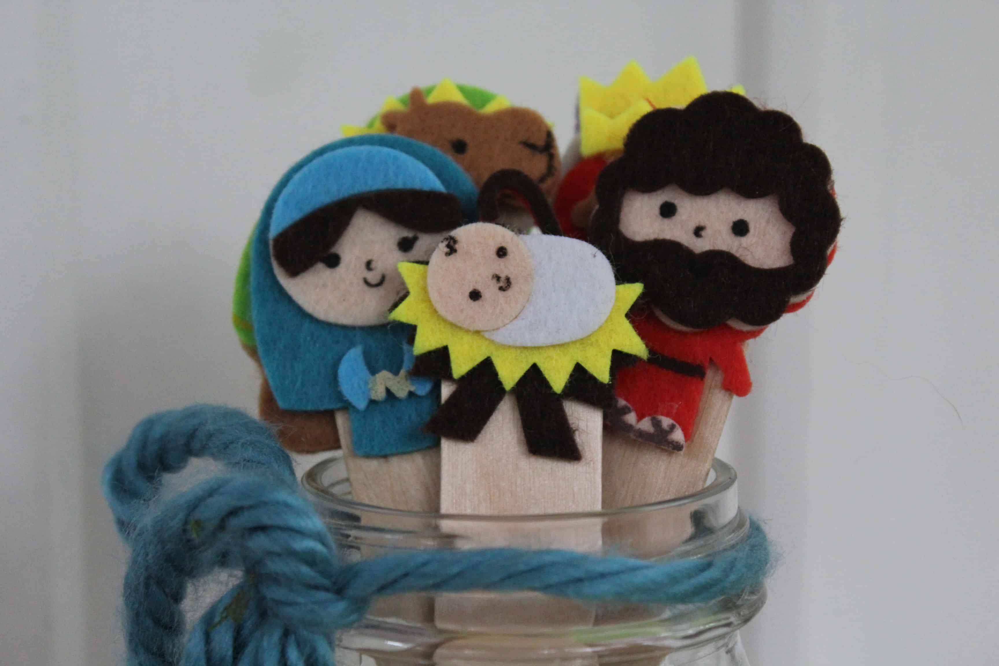 Some crafts related to the nativity can help us to have more Christ-centered Christmas. Today, I would like to share nativity stick puppets.