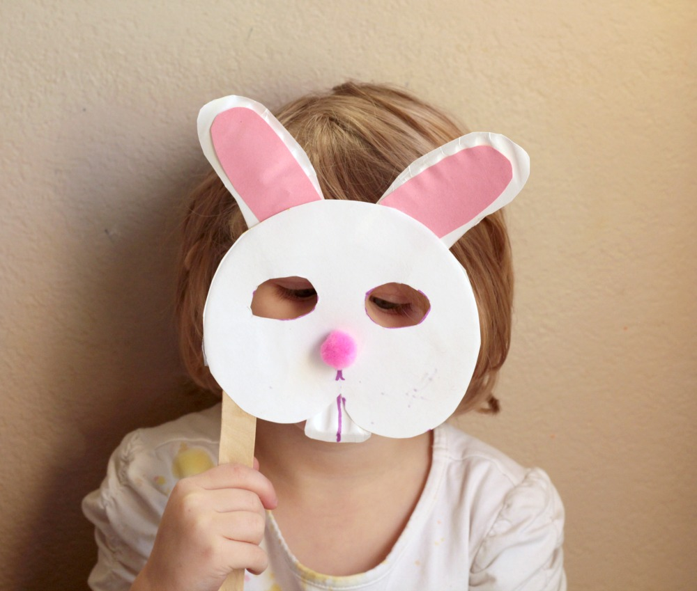 Spring is around the corner celebrate it by making paper plate bunny mask! This : paper plate rabbit - pezcame.com