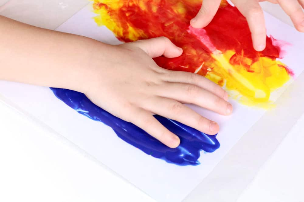 Fire Safety Craft: Fun, easy, mess free craft for preschool or kindergarten to help teach about fire and fire safety.